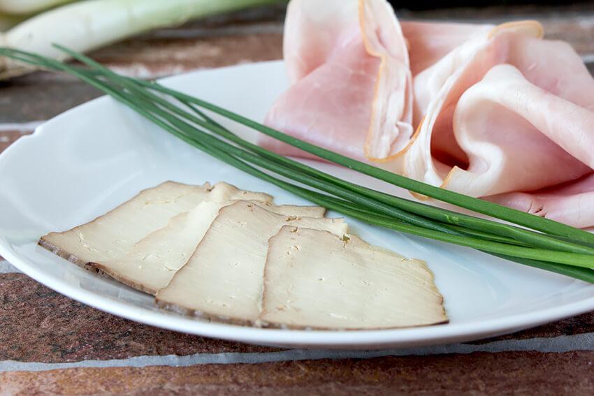 Kombi-Rezept mit und ohne Fleisch: Schinkenfleckerl aka Schinkennudeln mit Tofu (vegan) oder eben Schinken